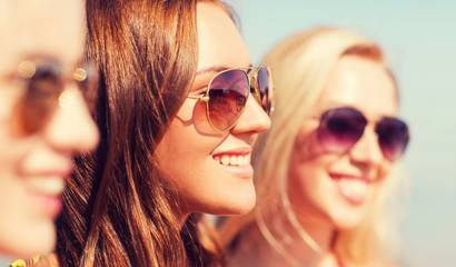 The Benefits of Wearing Sunglasses